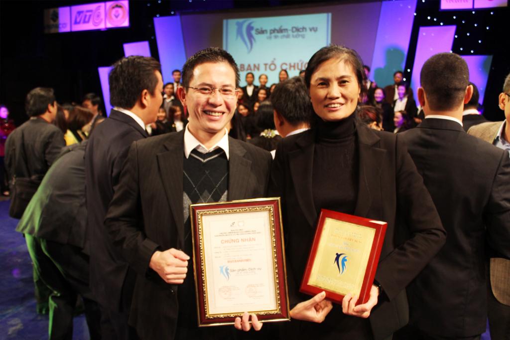 16 1 1024x682 Kế toán Hà Nội nhận giải thưởng sản phẩm dịch vụ uy tín chất lượng 2013