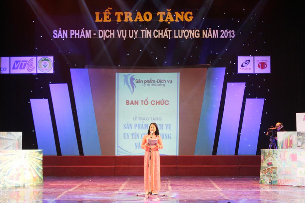 6 6 1024x682 Kế toán Hà Nội nhận giải thưởng sản phẩm dịch vụ uy tín chất lượng 2013