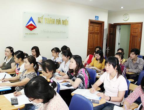 hoc kt tai qn Lớp học kế toán tổng hợp thực hành thực tế ở Nam Định
