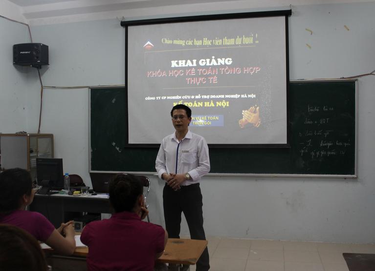 khai giang 2 Trung tâm đào tạo kế toán thực hành tại Hà Tĩnh